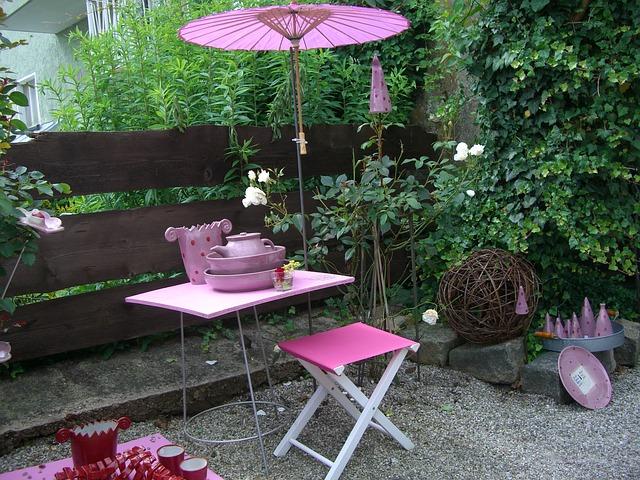 Roze tuinmeubelen koop je via tuinmeubelendeal.nl